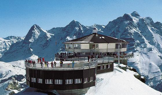 少女峰少女峰jungfrau是瑞士的著名山峰