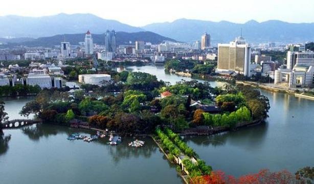 张公山  张公山风景区位于安徽省蚌埠市西南部
