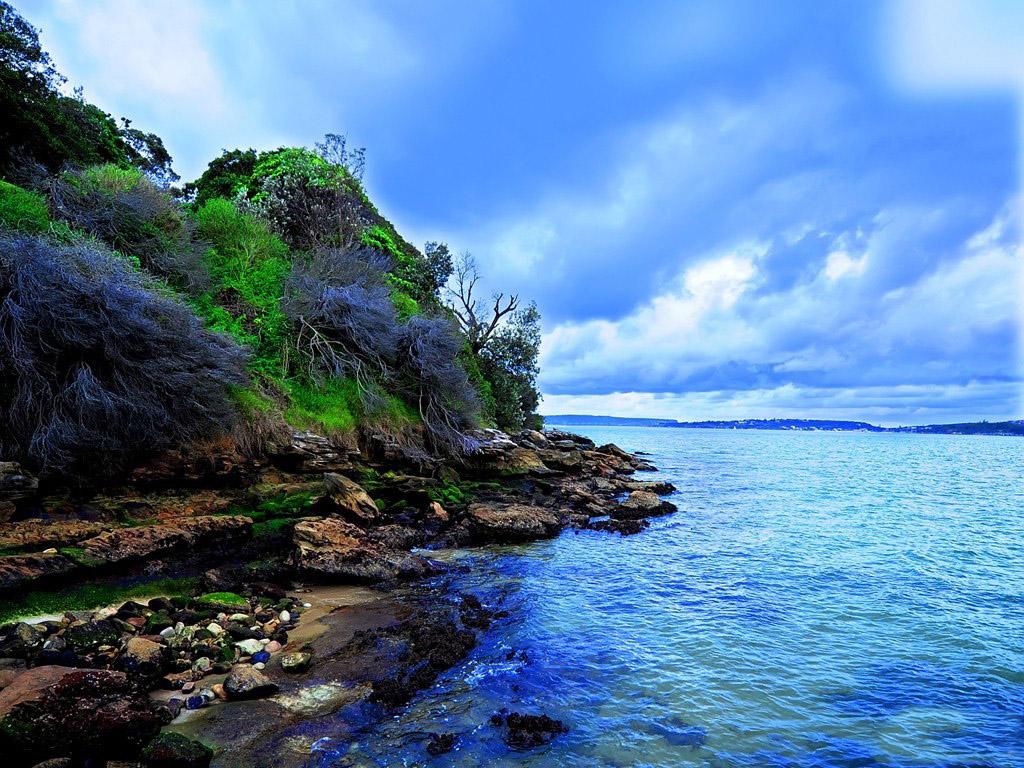 依山靠海的悉尼是大自然的恩赐,如一位婀娜多姿的超级名模,慵懒的海湾以及充满传奇色彩的海滩走秀,成为名符其实的南半球纽约。这样的地方怎能不让人向往?那么就让宁波旅行社的小编我来带你游玩一下这些著名的旅游胜地的周边还有哪些好玩的地方,先说说堪培拉周边有哪些好玩的地方呢?悉尼 堪培拉周边有哪些好玩的地方呢?悉尼 悉尼歌剧院 悉尼歌剧院位于澳洲悉尼,是20世纪最具特色的建筑之一,也是世界著名的表演艺术中心,已成为悉尼市的标志性建筑。该歌剧院1973年正式落成,2007年6月28日被联合国教科文组织评为世界文
