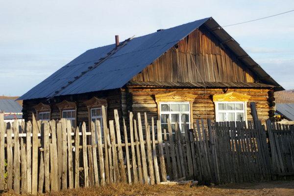 (恩和的小木屋,冷冷的天气,待在屋里发呆,是不是一种你没过过的人生呢