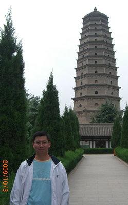 寺中的佛塔尤其身份显赫,法门寺是因舍利而置塔,因塔而建寺.