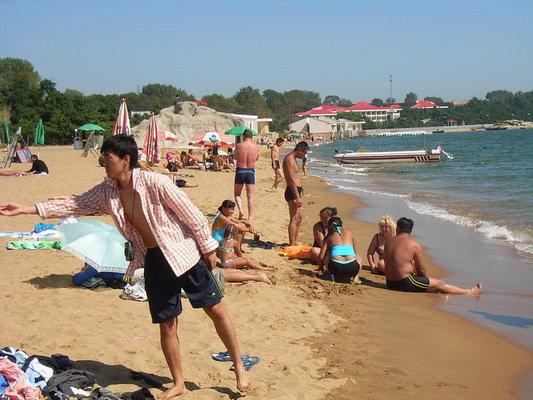 qq头像外国小孩子沙滩