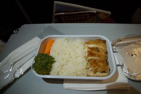 (亚航飞机上的鸡饭,味道一般)