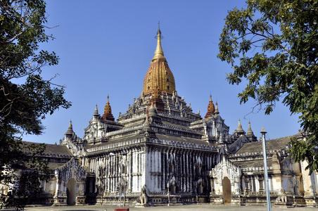 也是缅甸最著名的四大佛塔之一