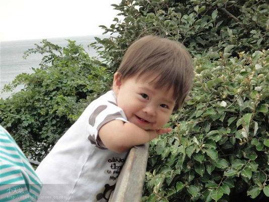 可爱的韩国小孩:)