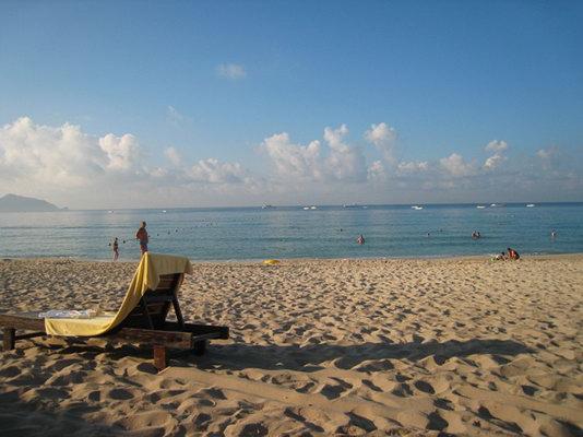 海边风景彩铅图片