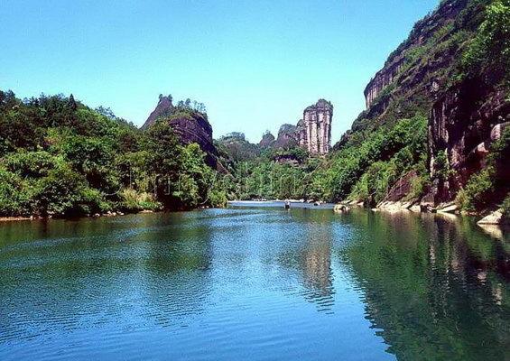 主要沿途景点: 九曲:灵峰,奇云峰,白云岩,幛岩,双狮戏球,孔雀开屏图片